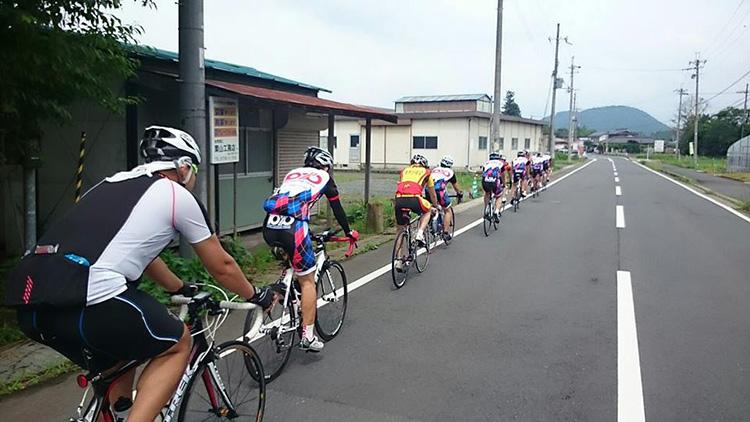 須知から瑞穂町にかけて。緩斜面のアップダウンが続きます。