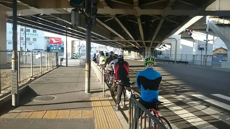 R171、大山崎にて。 名神高速との立体交差です。
