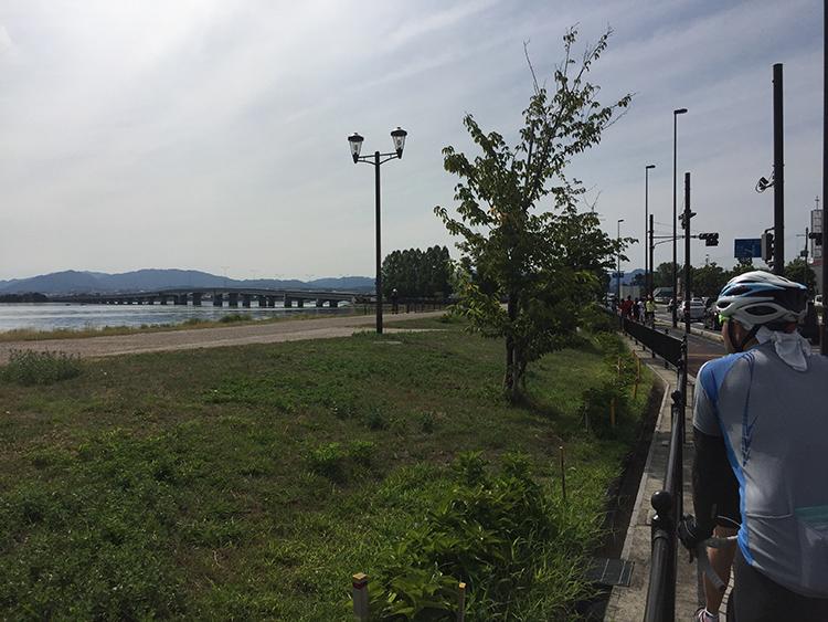 近江大橋でチームが2つに分断されちゃいました。